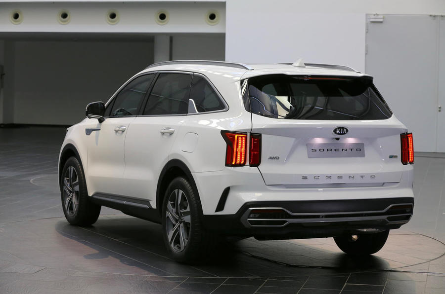 2020 Kia Sorento - static rear