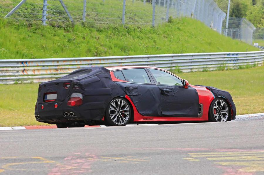 2021 Kia Stinger spyshot side rear again