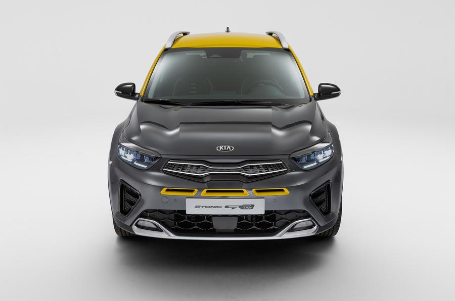 2020 Kia Stonic - front