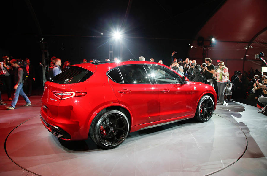 Alfa Romeo Stelvio Quadrifoglio - updated with dynamic ...