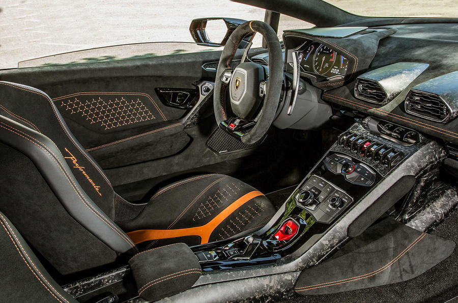 Lamborghini Huracan Performante dashboard