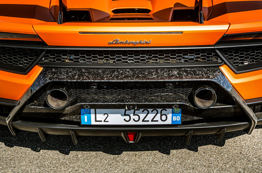 Lamborghini Huracan Performante twin exhaust system