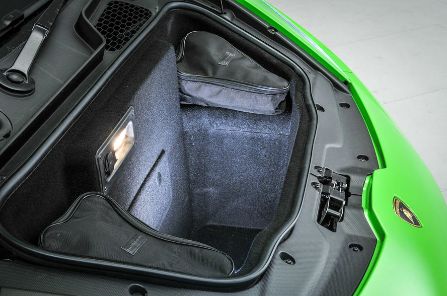 Lamborghini Huracán front boot space
