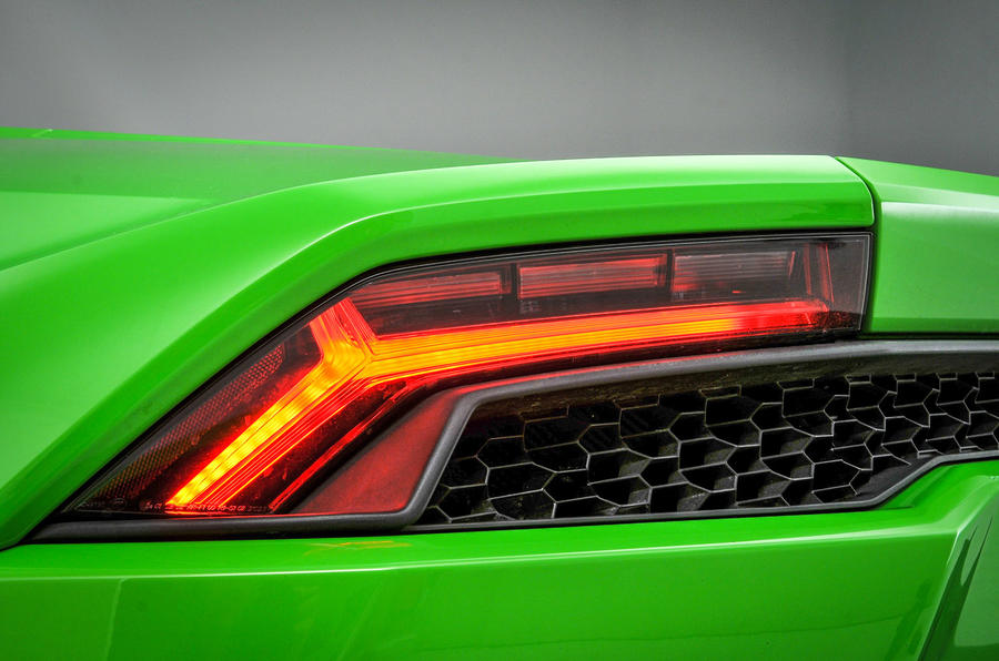 Lamborghini Huracán rear lights