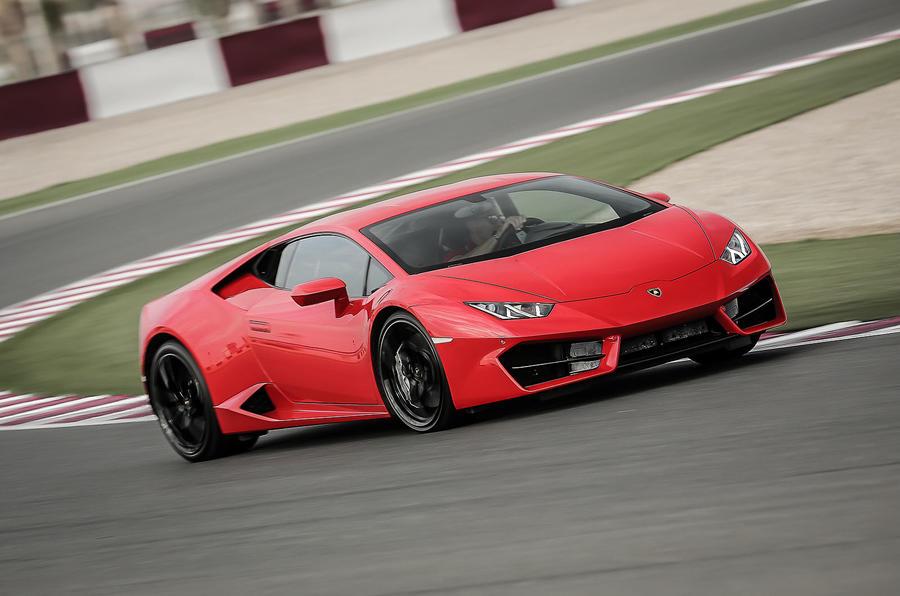 Lamborghini Huracan cornering