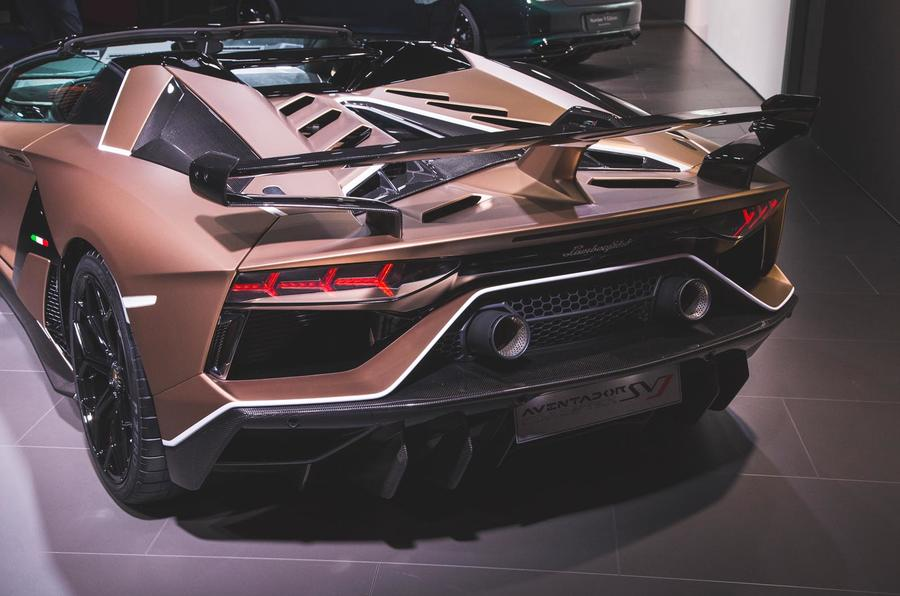 Lamborghini Aventador Svj Roadster Revealed With 759bhp