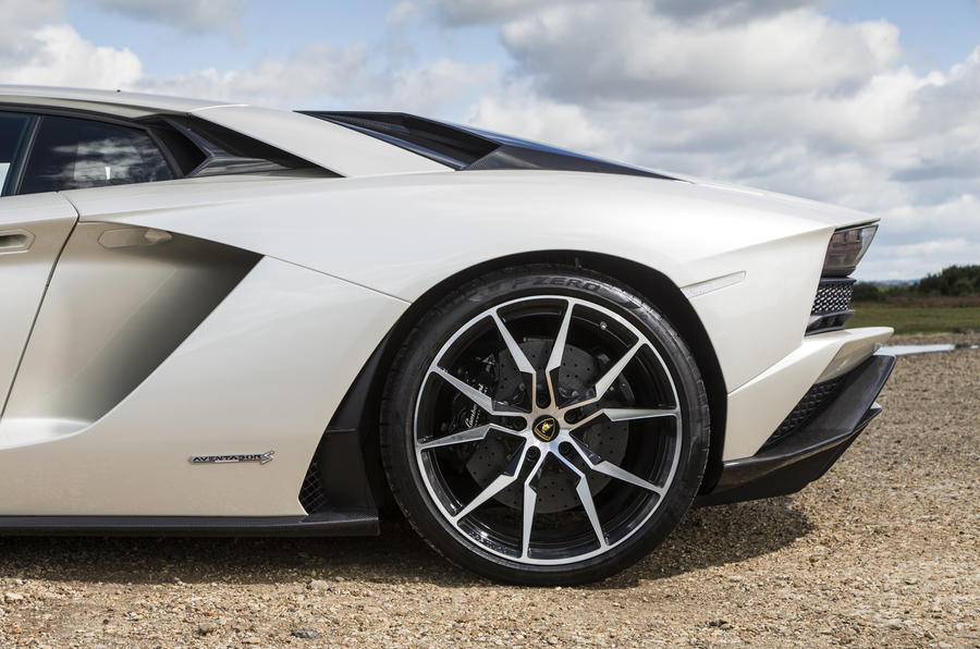 Lamborghini Aventador S 2017 Uk Review Autocar