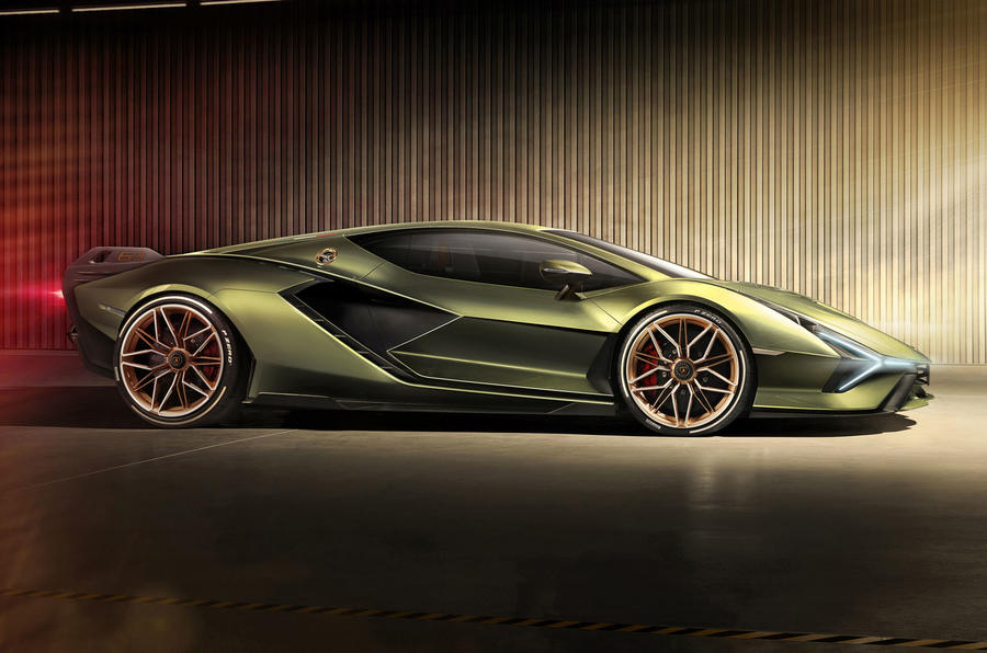 Lamborghini Sian reveal images - static side