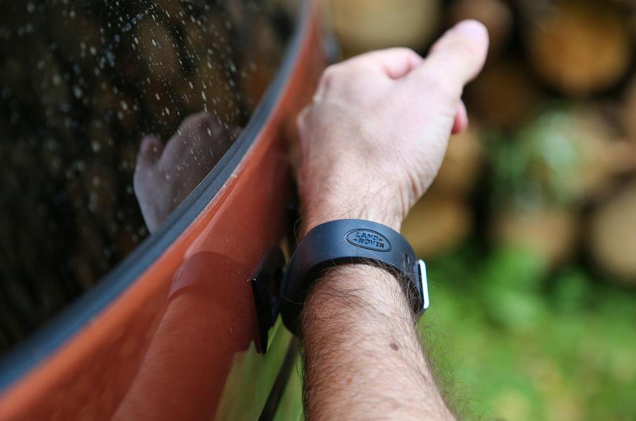 Land Rover Discovery activity key