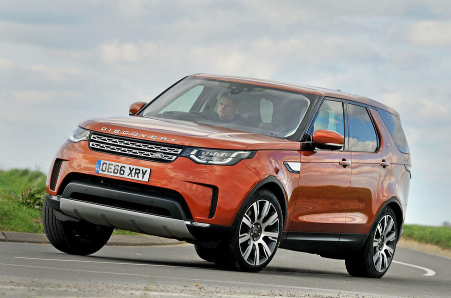 2017 Land Rover Discovery - cornering