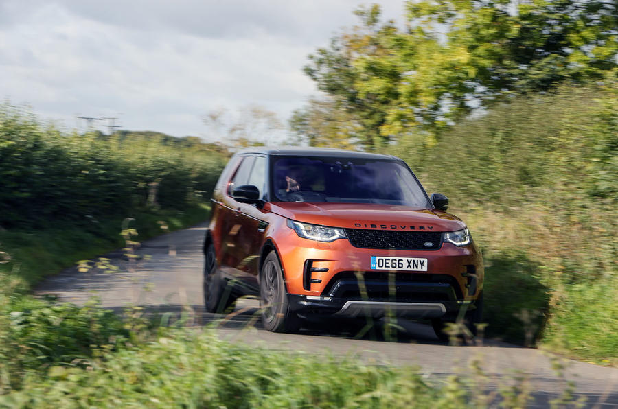 Land Rover Discovery hard cornering