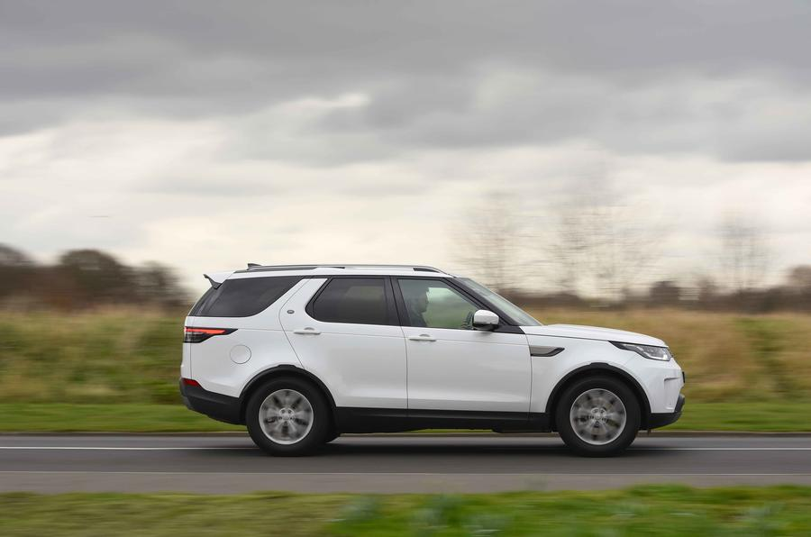 Land Rover Discovery Si4 SE side