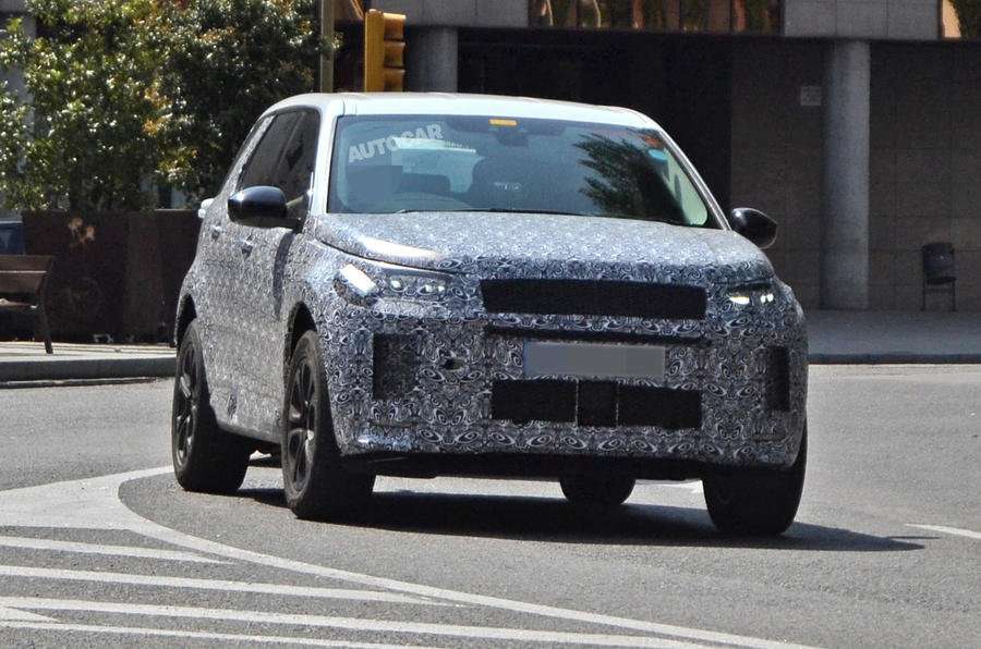 Land Rover Discovery Sport spy shot front