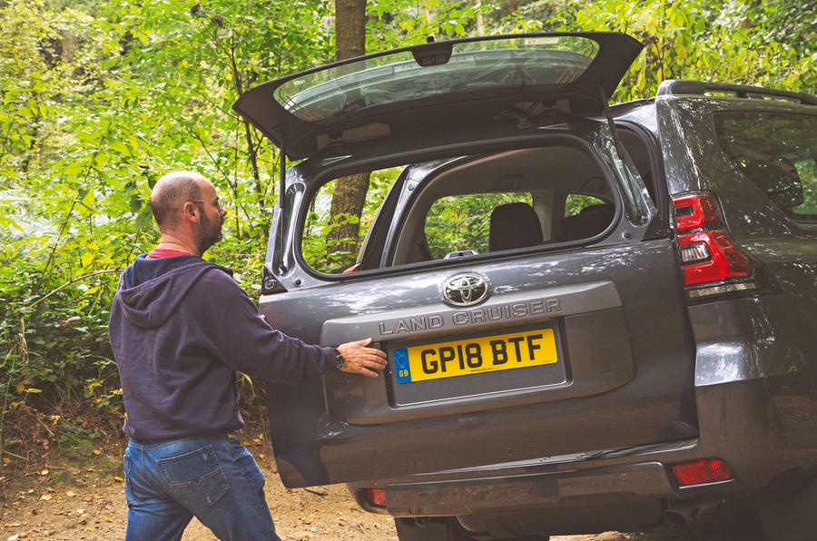 Toyota Land Cruiser Utility 3dr 2018 long-term review - tailgate