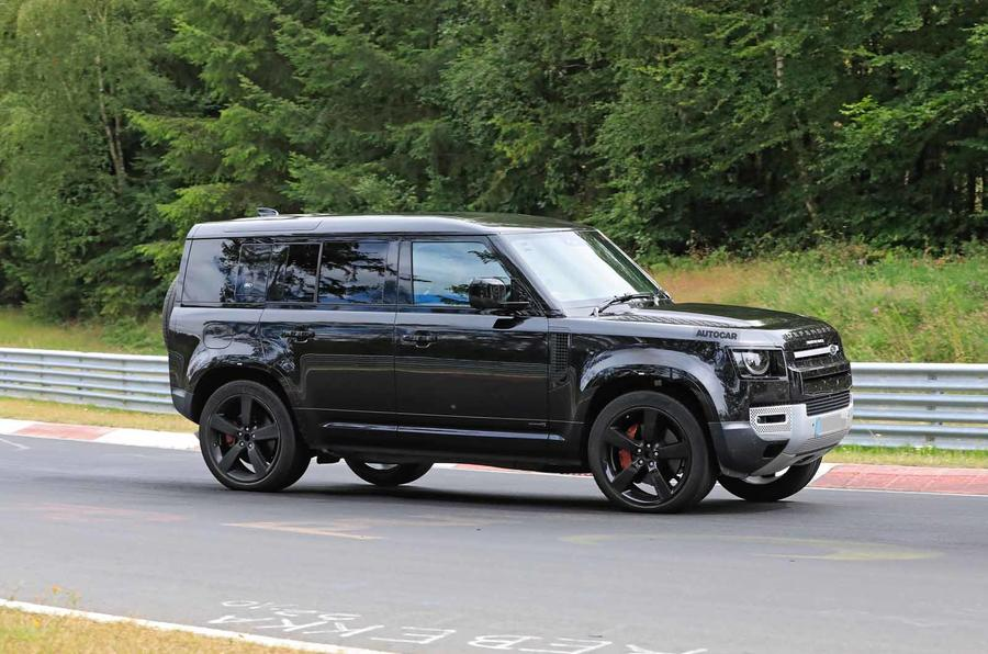 Land Rover Defender V8 Nurburgring side close