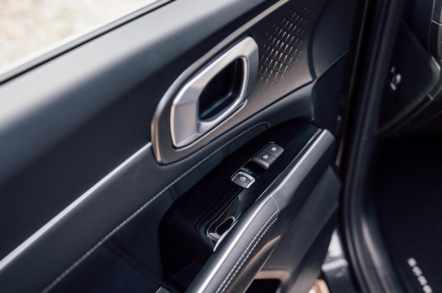 Kia Sorento 2.2 CRDI 2020 UK first drive review - door cards