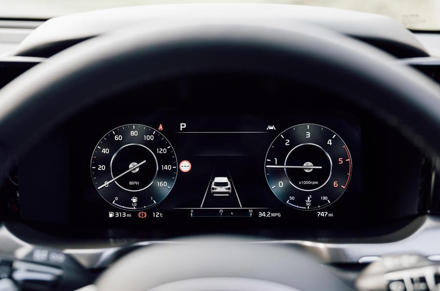 Kia Sorento 2.2 CRDI 2020 UK first drive review - instruments