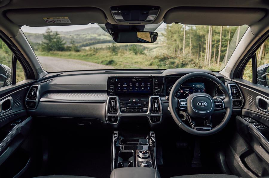 Kia Sorento 2.2 CRDI 2020 UK first drive review - dashboard
