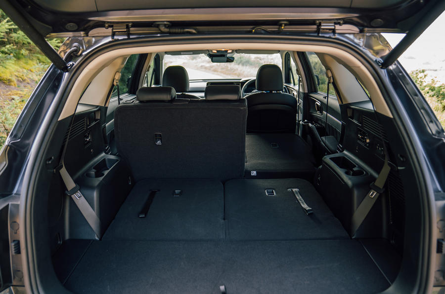 Kia Sorento 2.2 CRDI 2020 UK first drive review - boot