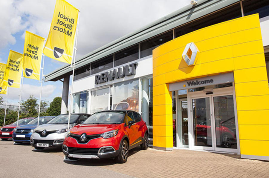 Car retailers can hand cars over to customers in controlled conditions