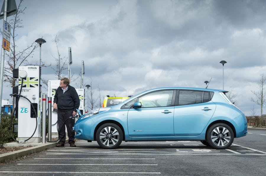 Attractive Nissan Leaf