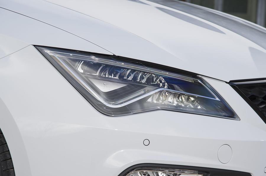 Seat Leon ST Cupra LED headlights
