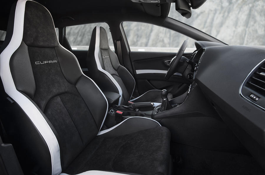 Seat Leon Cupra front seats