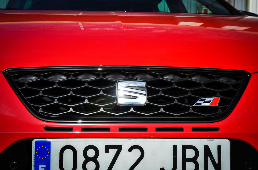 Seat Leon Cupra front grille