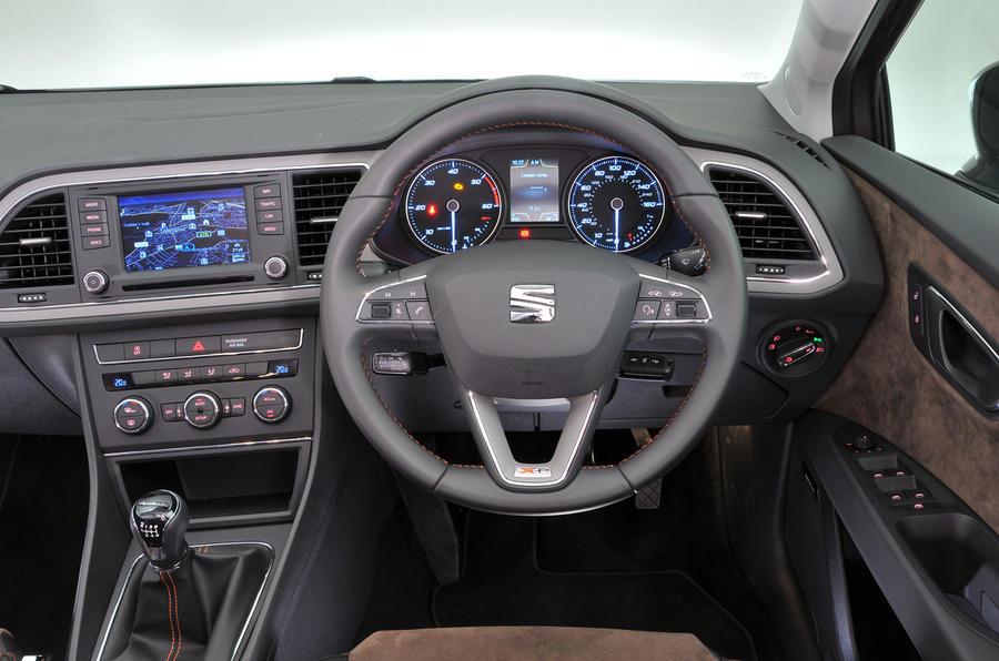 Seat Leon X-Perience dashboard
