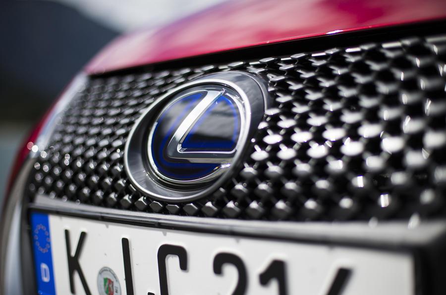 Lexus LC500 front grille