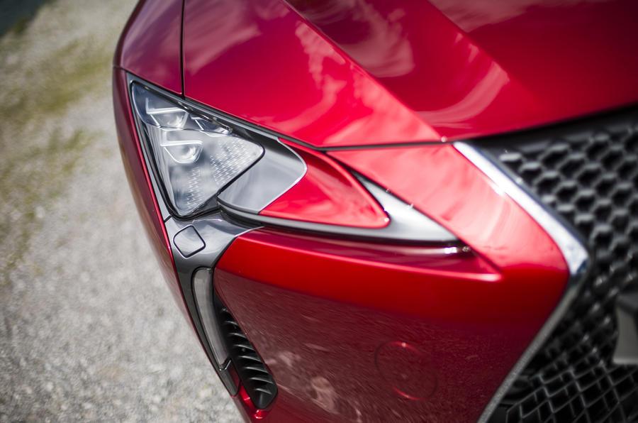 Lexus LC500 LED headlights