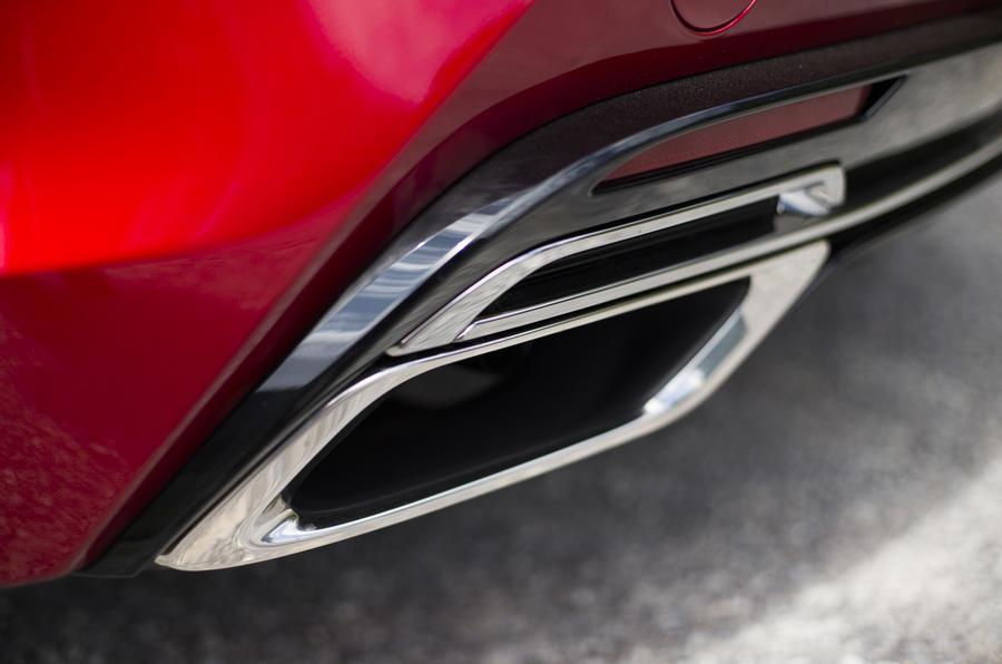 Lexus LC500 twin exhaust