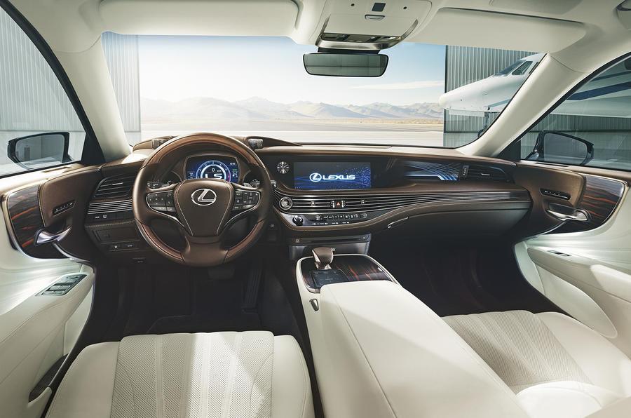 Lexus LS 500h interior