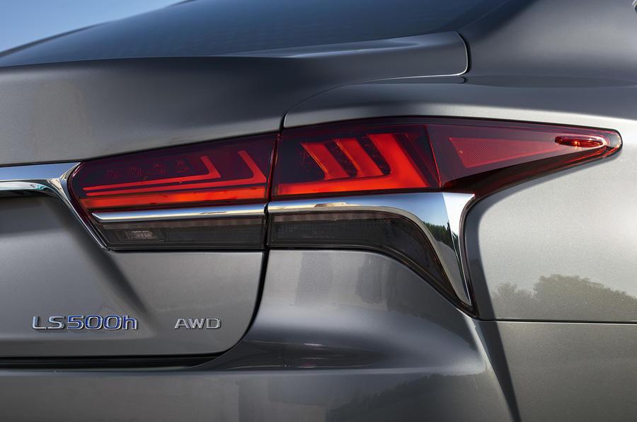 Lexus LS 500h rear LED lights