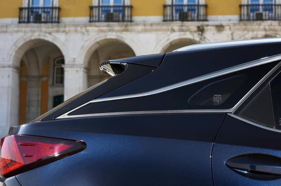 2015 Lexus RX 450h Premier detail