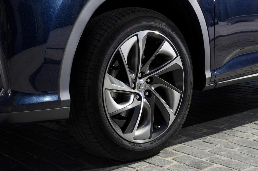 2015 Lexus RX 450h Premier wheel