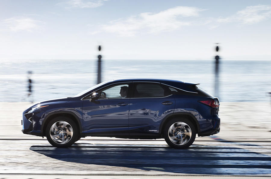 2015 Lexus RX 450h Premier review
