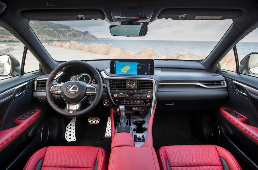 Lexus RX F Sport 2019 front cabin