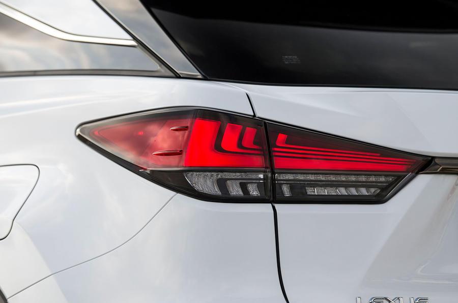 Lexus RX F Sport 2019 rear headlights