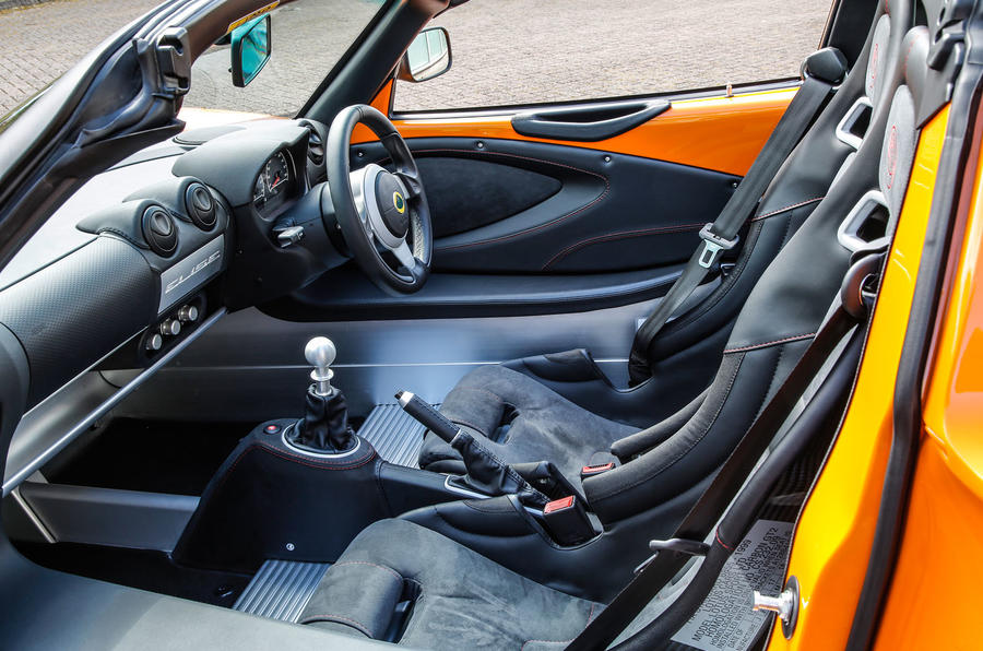Lotus Elise Cup 250 sports seats