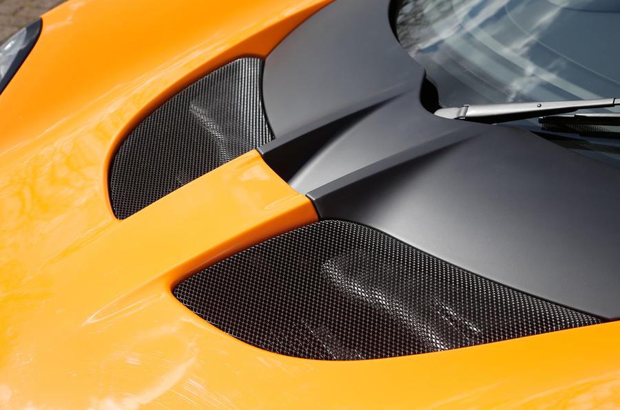 Lotus Elise Cup 250 bonnets vents