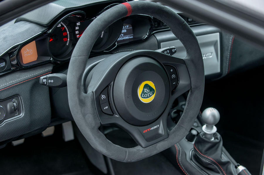Lotus Evora GT430 dashboard