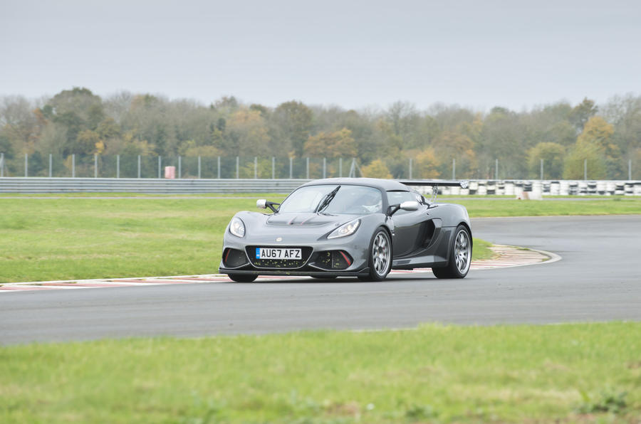 Lotus Exige Cup 430 hard cornering