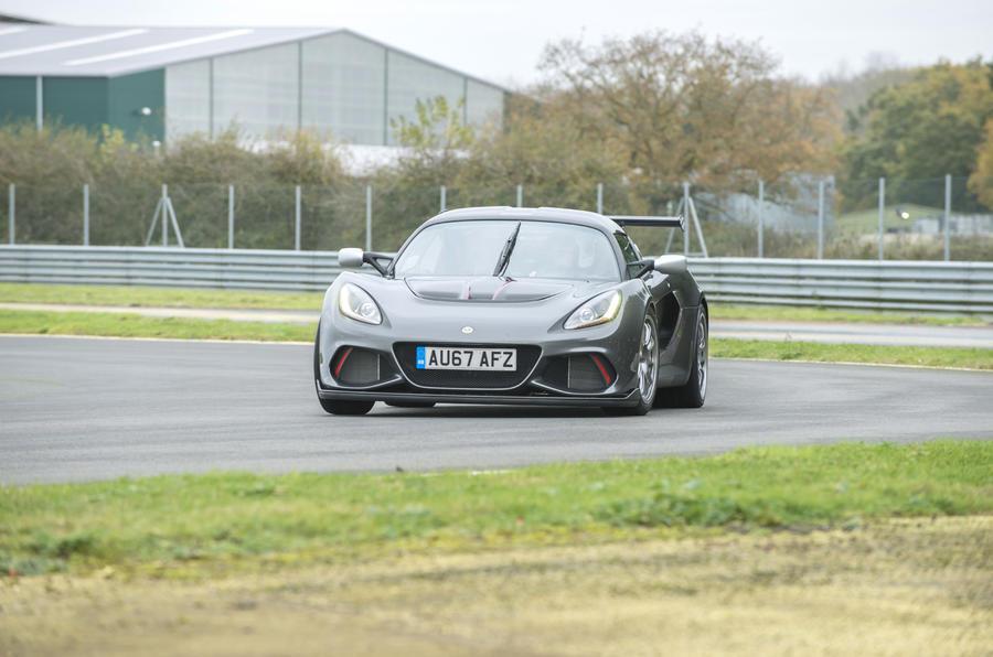 Lotus Exige Cup 430 cornering
