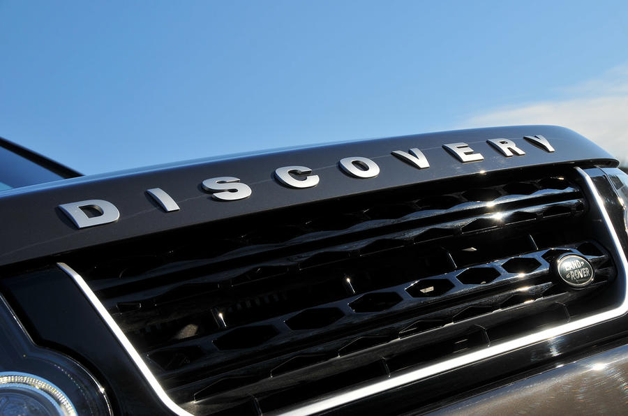 Land Rover Discovery badging