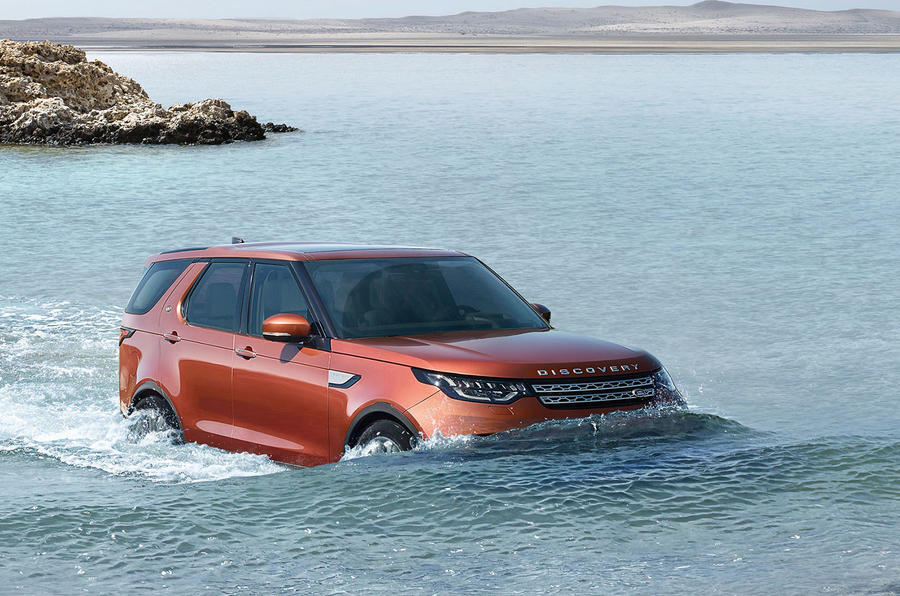 2017 Land Rover Discovery revealed in Paris