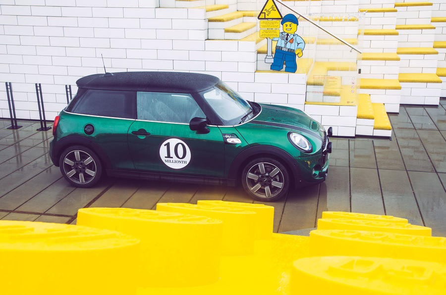 10-millionth Mini to Lego House
