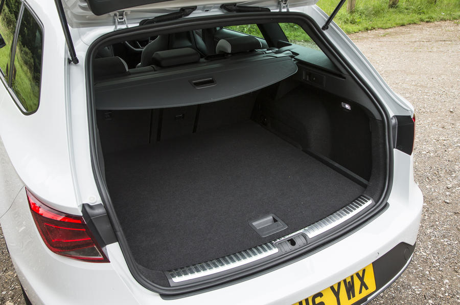 Seat Leon ST Cupra boot space