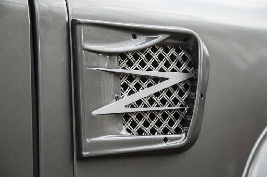 JE Motorworks Zulu 2 air scoop