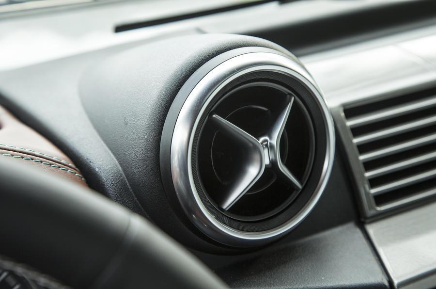 JE Motorworks Zulu 2 air vents